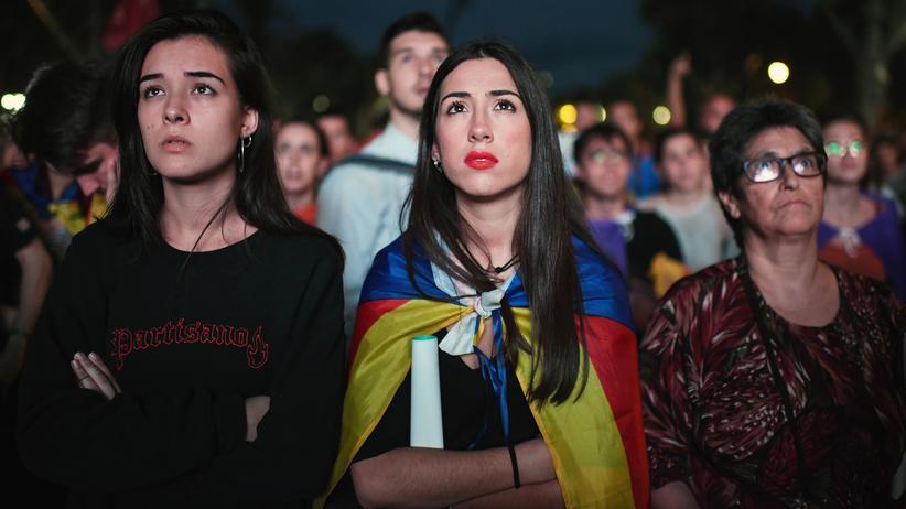 Katalonien: Diese Katalanen hofften vergeblich auf eine Unabhängigkeitserklärung von Regionalpräsident Carles Puigdemont.
