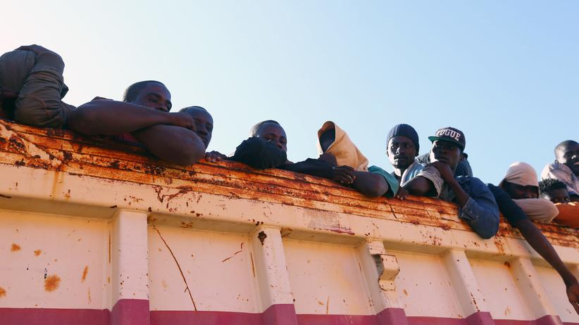 Flüchtlinge: Flüchtlinge in einer Hafenstadt in Libyen