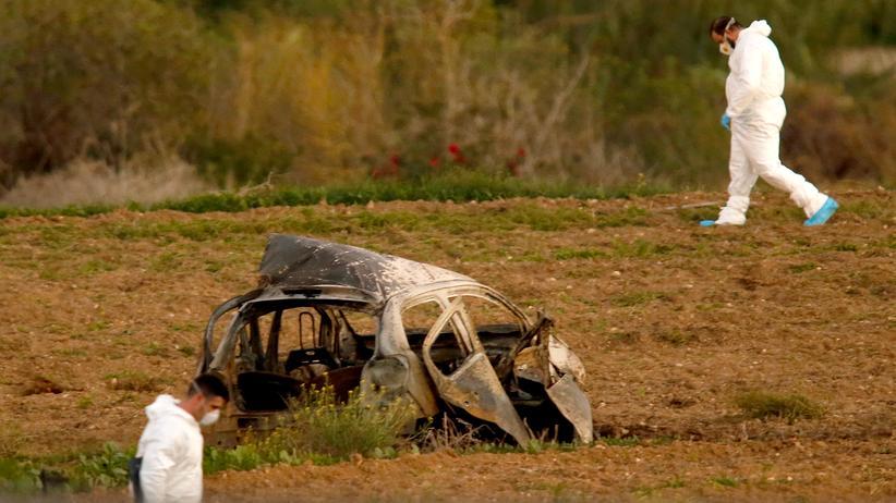 Daphne Caruana Galizia: Das zerstörte Auto der Investigativjournalistin Daphne Caruana Galizia auf Malta