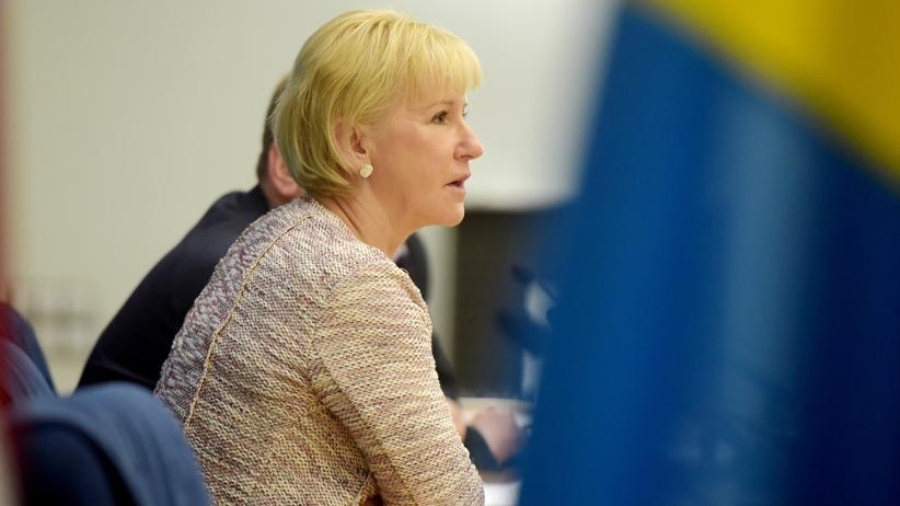 Die schwedische Außenministerin Margot Wallström bei einer Pressekonferenz in Riga (Archivaufnahme aus dem Jahr 2015)