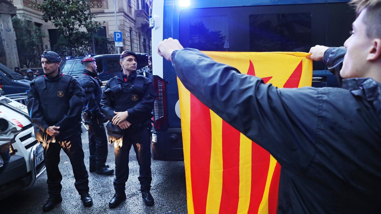 Mariano Rajoy: Spanische Regierung erwägt Neuwahlen in Katalonien