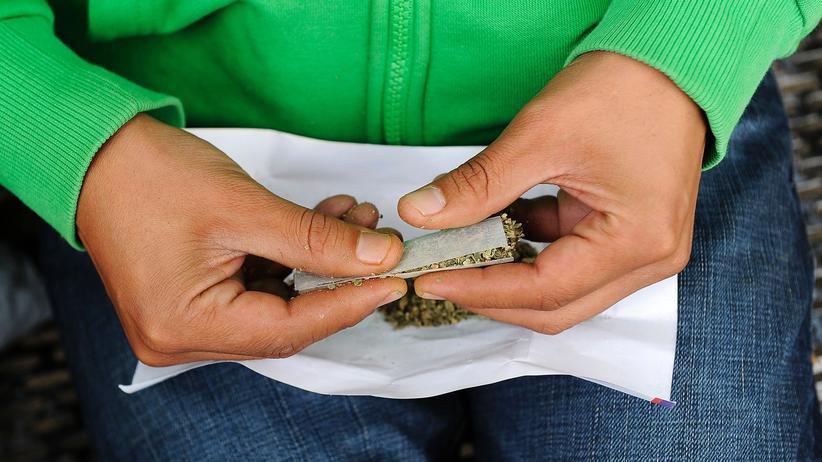 Jacinda Ardern: Neuseeland erwägt Legalisierung von Cannabis