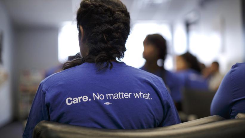 Obamacare: Die Regelungen von Obamacare sind kompliziert. Überall in den USA – wie hier in Chicago – werden deshalb Freiwillige geschult, um Fragen von Versicherten zu klären.