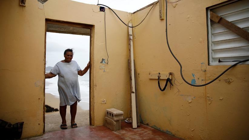 Wirbelsturm Maria: Die Puertoricanerin Irma Torres in ihrem zerstörten Haus in Yabucoa