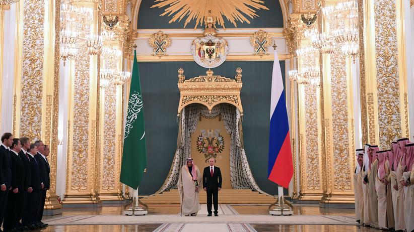 Russland: Russlands Präsident Wladimir Putin und der saudische König Salman in Moskau.