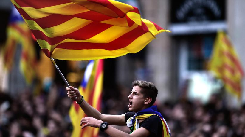Katalonien: Ein Anhänger der katalanischen Unabhängigkeitsbewegung in Barcelona