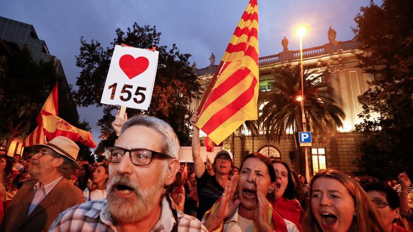 Katalanen fordern ihre Unabhängigkeit in Barcelona.