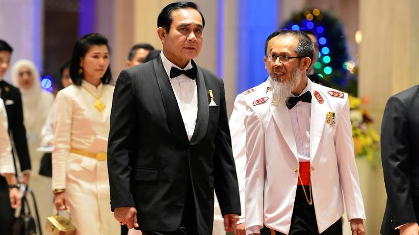 Thailands Premierminister und Juntachef Prayut Chan-o-cha (links) zu Besuch in Brunei