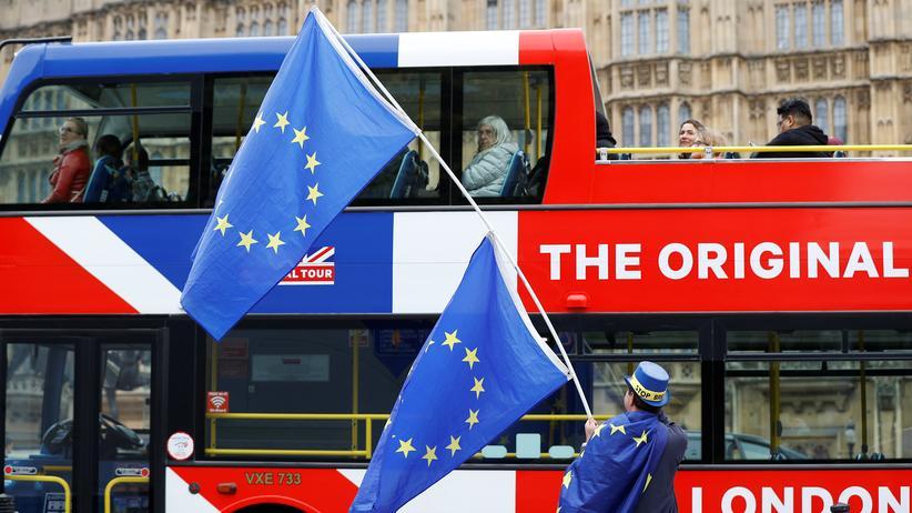 Brexit: Ein Touristenbus in London wirbt gegen den Brexit.