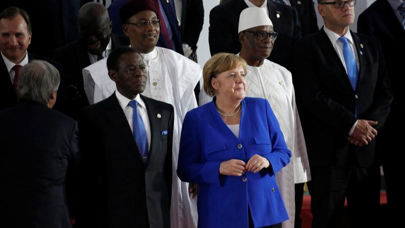 EU-Afrika-Gipfel: Einigung auf Aktionsplan gegen Sklavenhandel ...