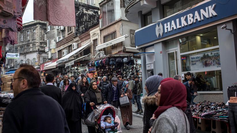 Prozess gegen Reza Zarrab: Eine Filiale der türkischen Halkbank in Istanbul