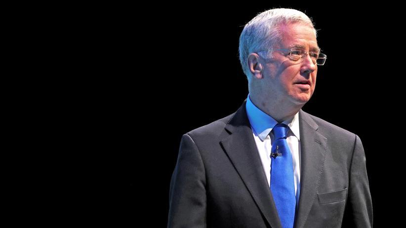Michael Fallon : Britischer Verteidigungsminister tritt zurück