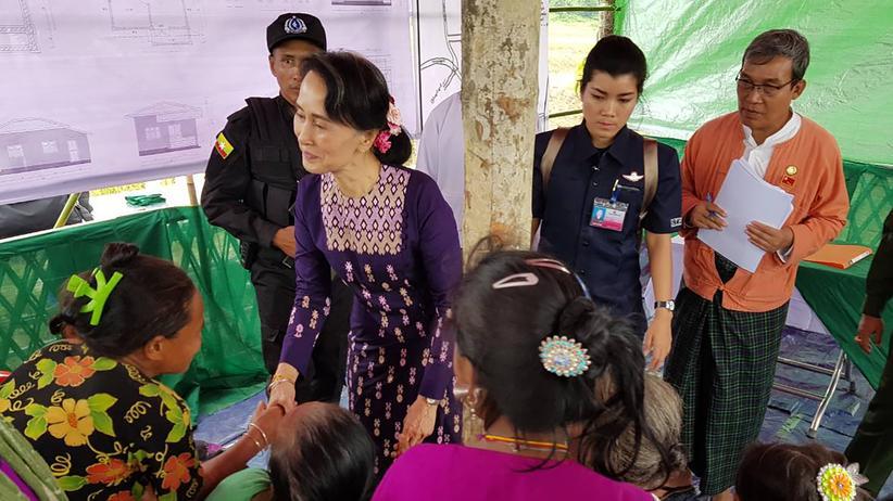 Myanmar: Aung San Suu Kyi ist in den Bundesstaat Rakhine im Norden Myanmars gereist.