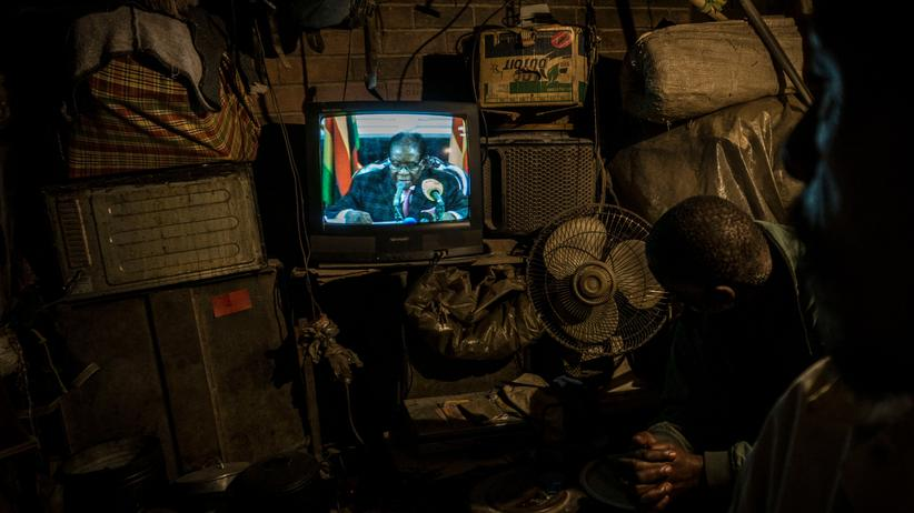 Simbabwe: Mugabe sagt in TV-Ansprache kein Wort zu Rücktritt