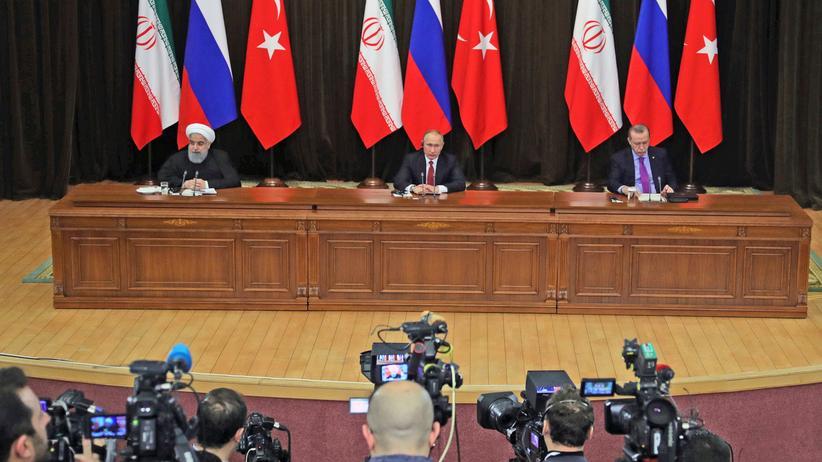 Sotschi: Russland, Türkei und Iran wollen syrische Konferenz der Völker