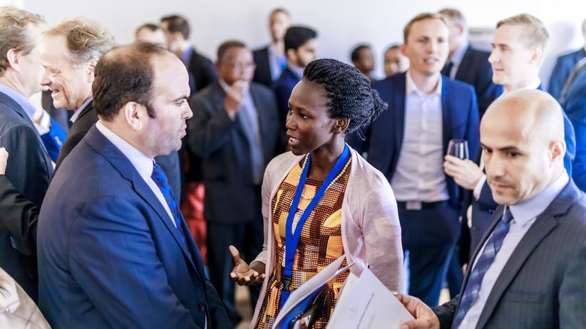 """Unternehmen in Afrika: """"Entwicklungsprogramme sollten Afrikanern nicht das Denken abnehmen"""""""