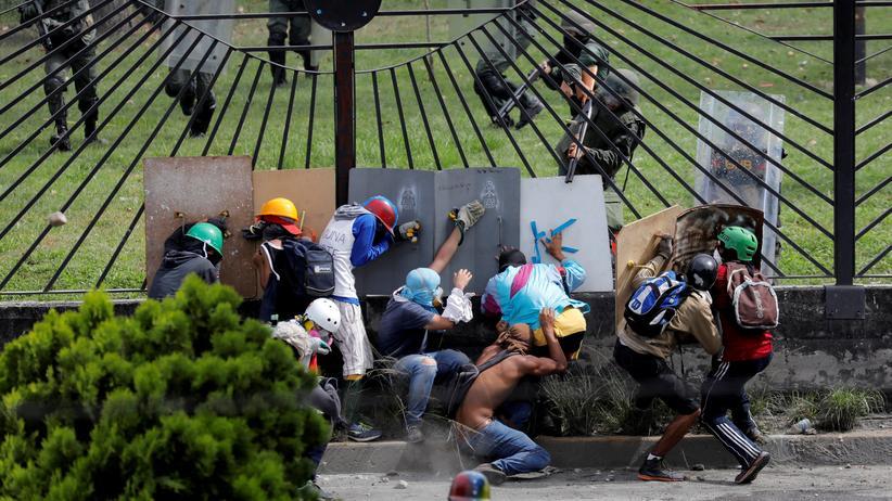 Venezuela: Anti-Maduro-Demonstranten beim Zusammenstoß mit Sicherheitskräften im Mai 2017.