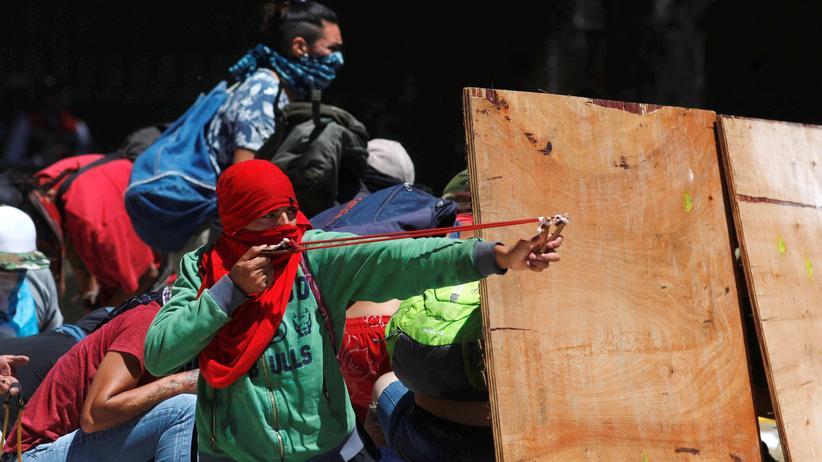 Argentinien: Mehr als 150 Verletzte bei Protesten gegen Rentenreform