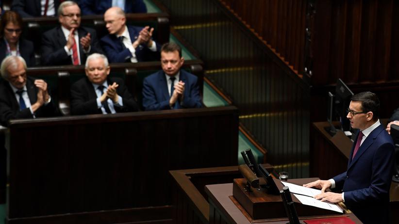Polen: Der neue polnische Premier Mateusz Morawiecki stellt im Parlament in Warschau sein Programm vor.