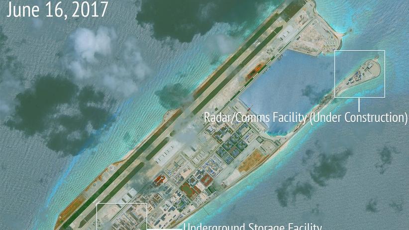 Südchinesisches Meer: Ein Satellitenbild des Militärstützpunkts von Fiery Cross Reef