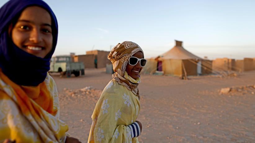 Vereinte Nationen: Zwei Frauen in einem Flüchtlingscamp im Süden von Algerien