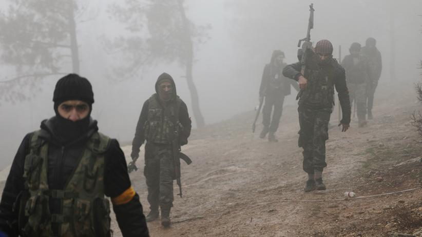 Afrin: Kämpfer der Freien Syrischen Armee, die von der Türkei unterstützt wird, im Nordosten von Afrin