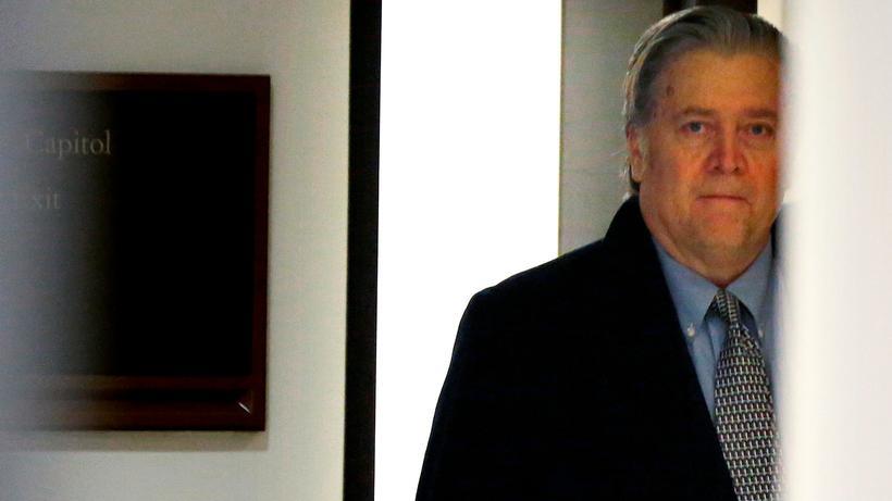 Geheimdienstausschuss: Bannon verweigert die Aussage | ZEIT ONLINE