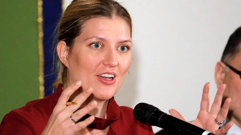 """Beatrice Fihn: """"Deutschland ist leider Teil des Problems"""""""