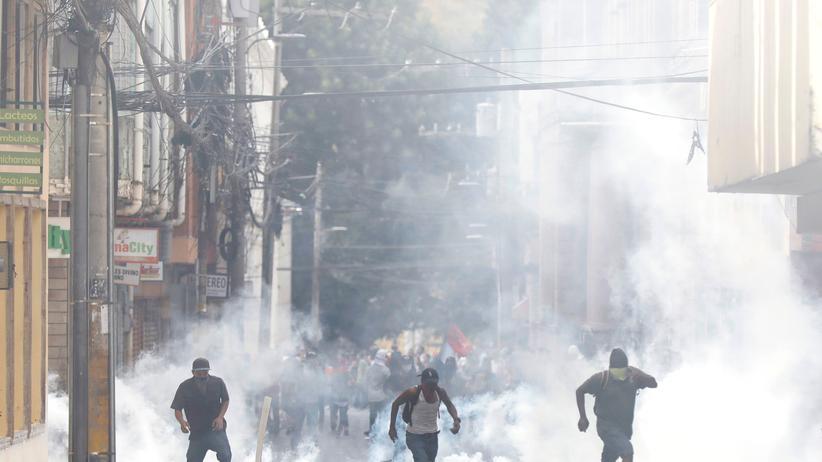 Honduras: Proteste bei Amtseinführung von Präsident Hernández