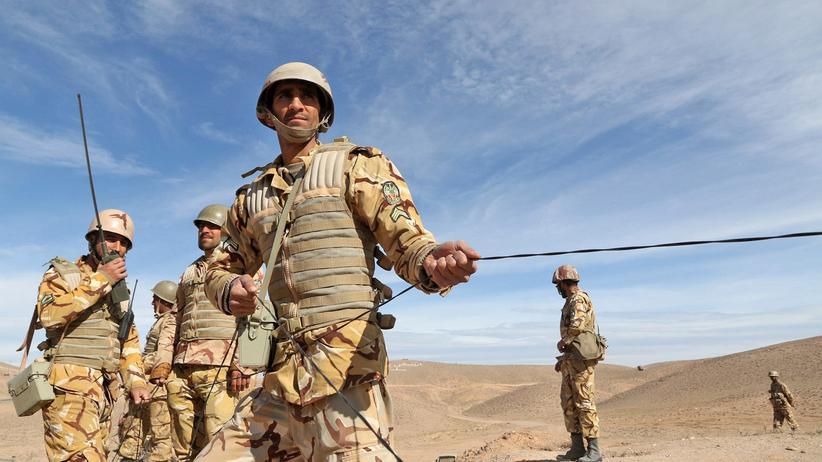 General Abdulrahim Mussawi: Armeechef droht Demonstranten im Iran mit Militär