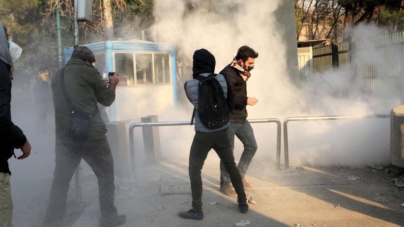 Proteste: Weitere 100 Festnahmen im Iran