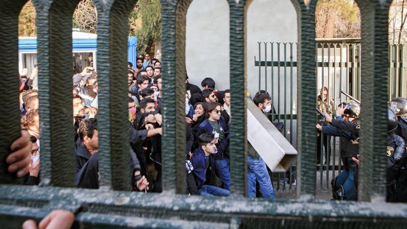 Iran: Beschneidet die Macht der Konservativen
