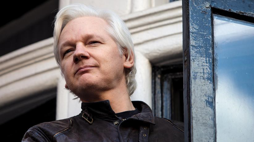 WikiLeaks: Julian Assange im vergangenen Mai auf dem Balkon der ecuadorianischen Botschaft in London