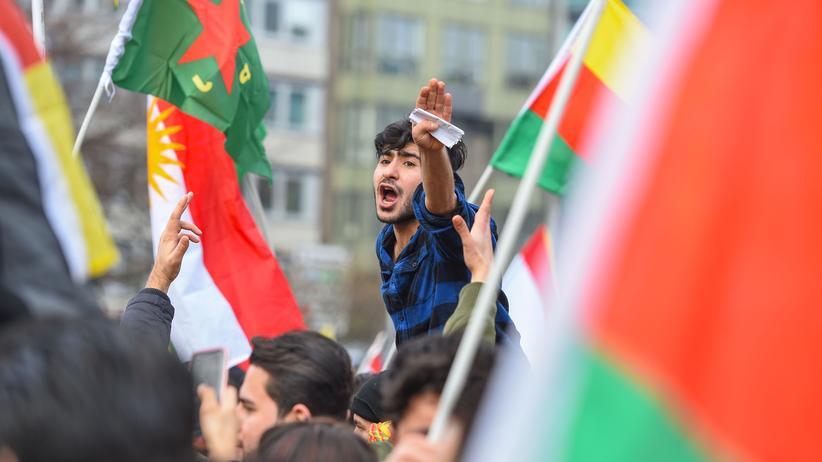 Kurden in Deutschland: Wer beschützt die Kurden?