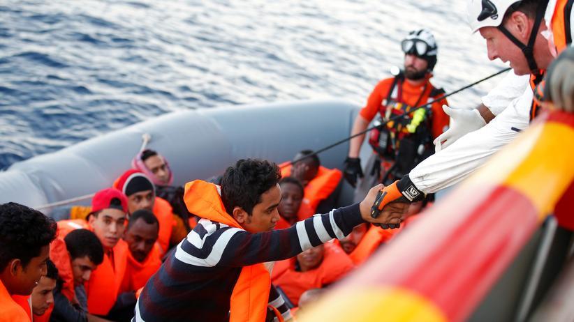 Mittelmeer-Route: Mehr als 3.000 Bootsflüchtlinge starben 2017 im Mittelmeer