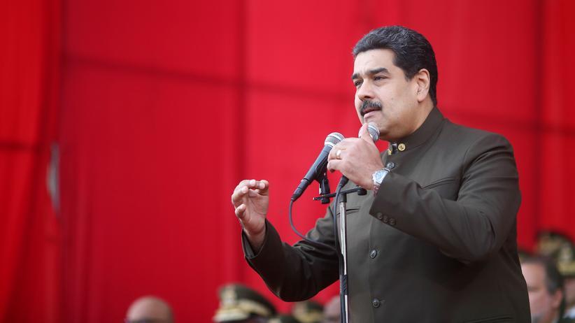 Venezuela: Venezuelas Präsident Nicolás Maduro bei einer Militärparade in der Hauptstadt Caracas