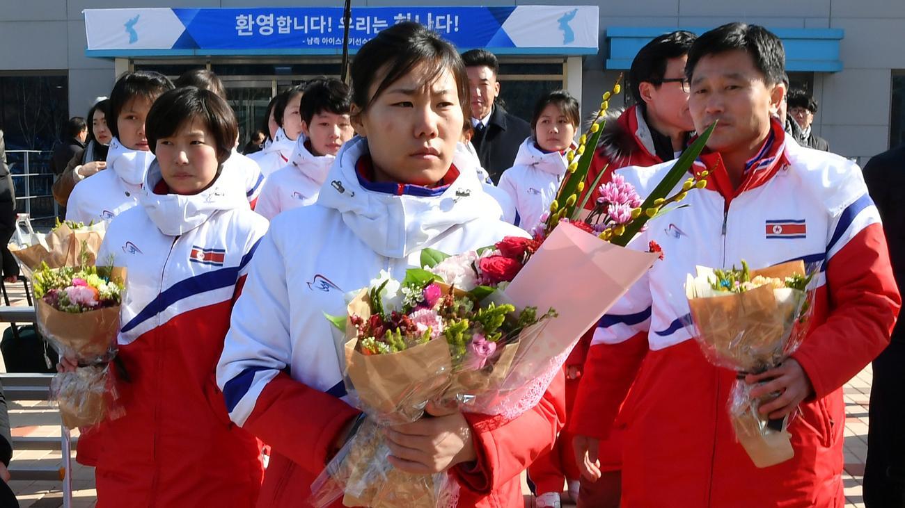 a5afb569917 Zur Feier der Olympischen Winterspiele war Anfang Februar eine gemeinsame  Darbietung beider Länder im Osten Nordkoreas geplant.