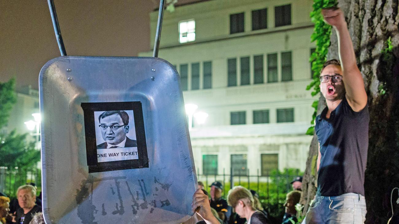Polen: Erste Justizreformen treten in Kraft