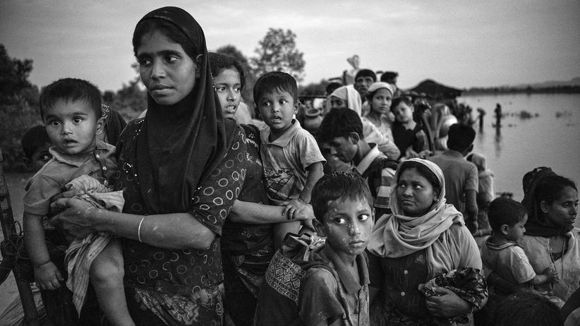 Myanmar: Rohingya auf der Flucht ins Nachbarland Bangladesch