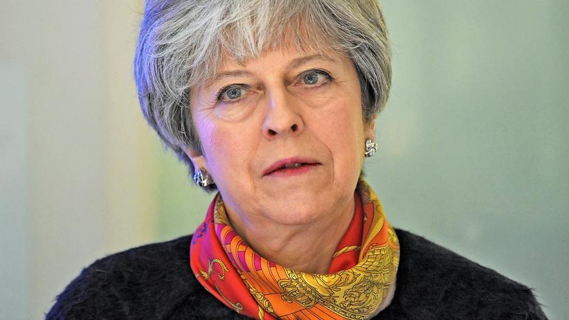 Großbritannien: May will Kabinett umbilden