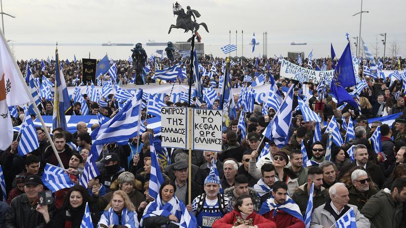 """Griechenland: Demonstranten fordern: """"Mazedonien ist griechisch"""""""