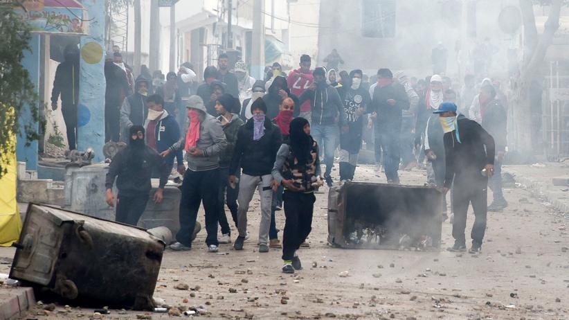 Tunesien: Sehnsucht nach dem starken Mann