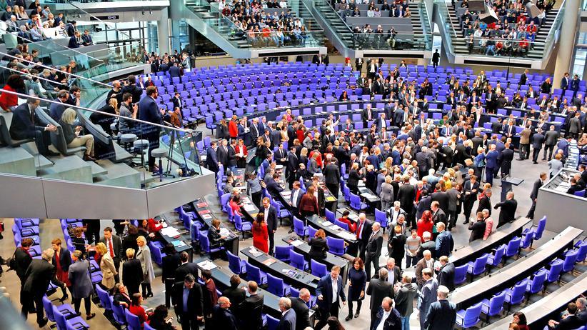"""Bundestag: Opposition kritisiert """"Kniefall der Regierung"""" vor Erdoğan"""
