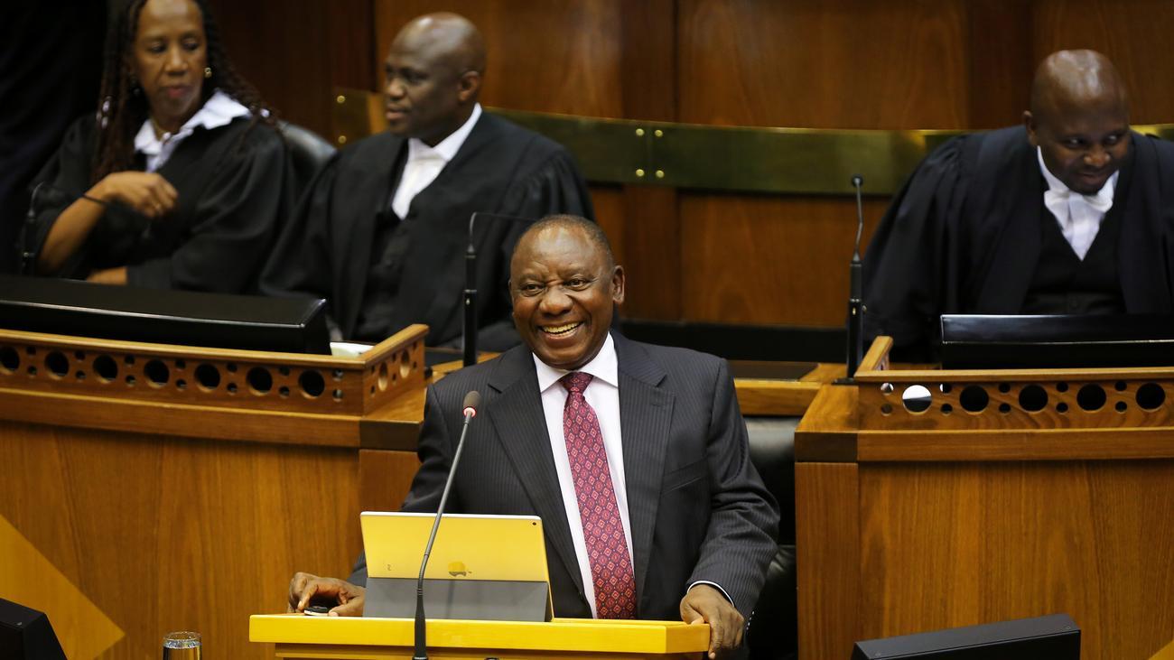 Cyril Ramaphosa: Südafrikas neuer Präsident baut Kabinett um