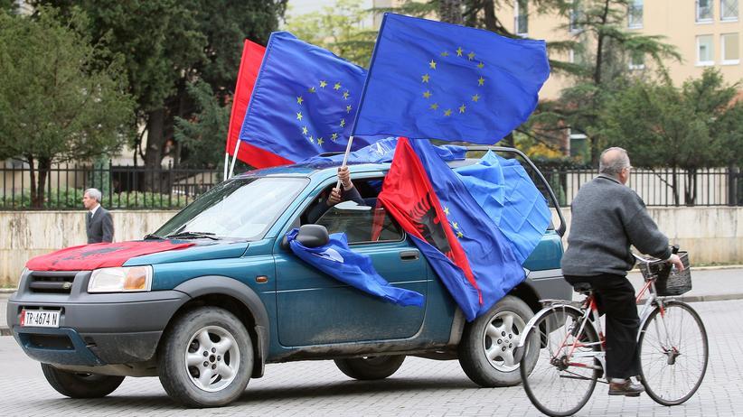 EU-Kommission: Juncker stellt Westbalkanstaaten EU-Beitritt in Aussicht