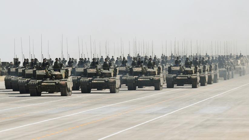 IISS-Report: China rüstet sein Militär verstärkt auf