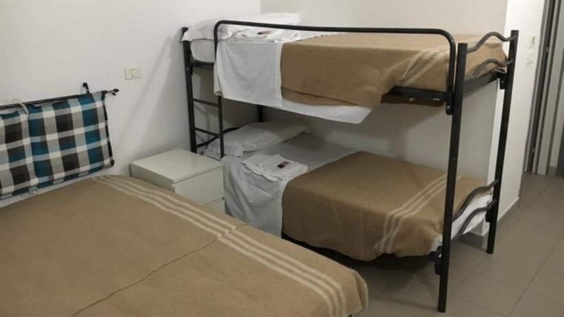Flüchtlingskrise: Blick in ein Hostel-Zimmer in Gorino: Statt Flüchtlinge können hier Urlauber wohnen.