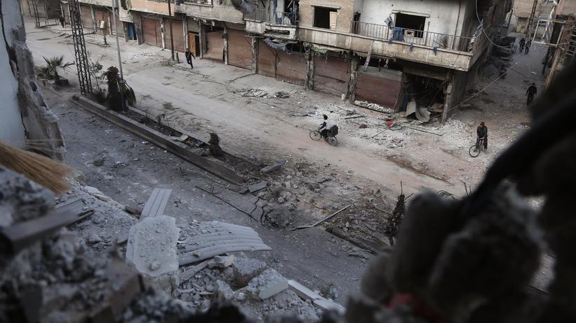 Krieg in Syrien: Zerstörung im syrischen Hamouria, Ostghuta