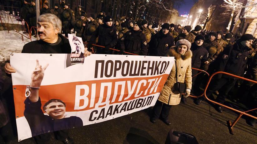 Ukraine: Ukraine schiebt Saakaschwili nach Polen ab