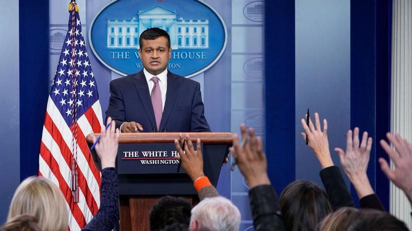 Weißes Haus: Der Vize-Regierungssprecher Raj Shah informiert die Presse über den Rücktritt von Trump-Mitarbeiter David Sorensen.